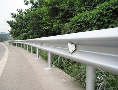 镀锌波形护栏板材质型号
