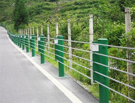 高速路揽绳围栏