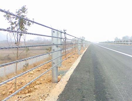 公路揽绳护栏