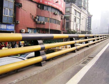 道路三根管防撞护栏