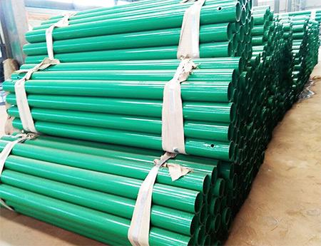 绿色喷塑立柱