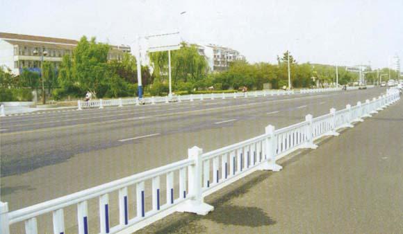 PVC公路塑钢栏杆